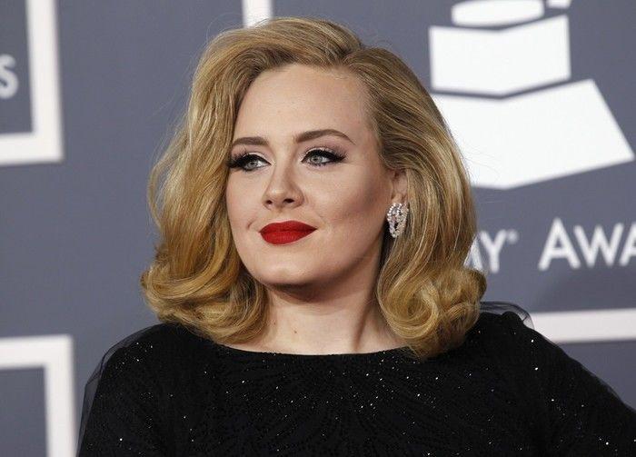 Adele voltou a se mostrar imbatível