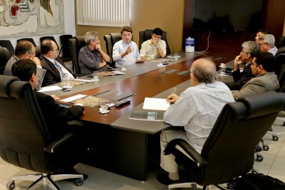 Reunião (Crédito: João Allbert))