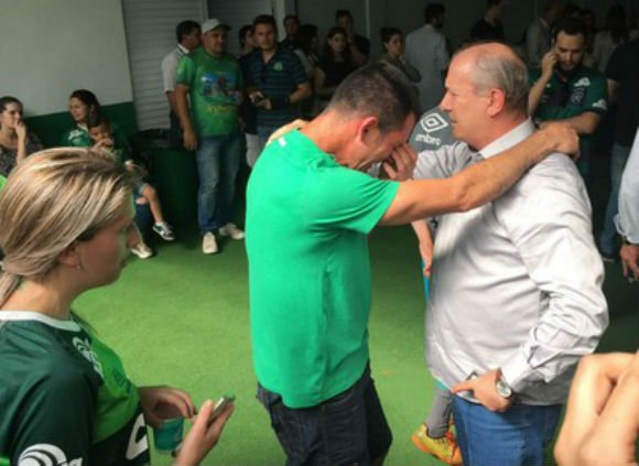 Ivan Tozzo (à direita) confirma que Chapecoense será confirmada como campeã da Copa Sul-Americana (Crédito: Amanda Kestelman)