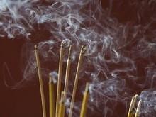 Incenso pode ser mais tóxico cigarro, alerta pesquisa