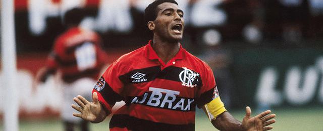 Flamengo negocia dívida de R$ 18 milhões e paga Romário