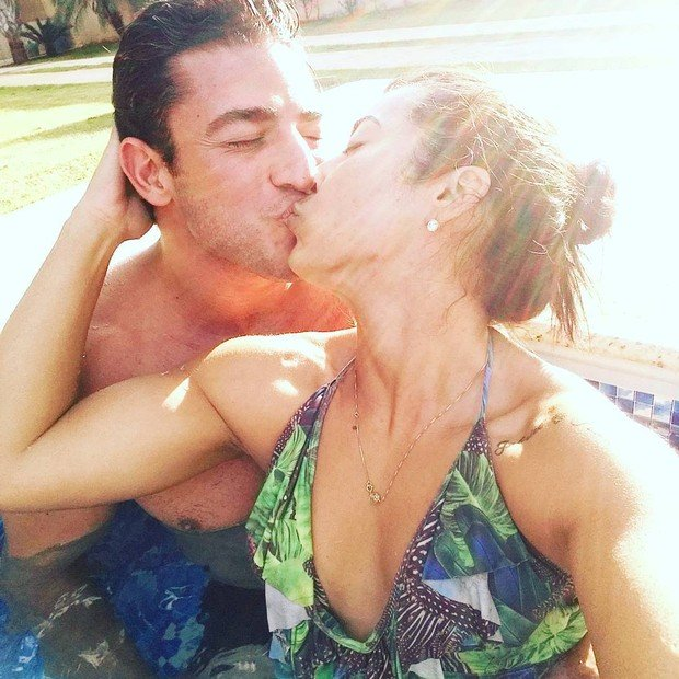 Priscila Pires e o namorado (Crédito: Reprodução/Instagram)