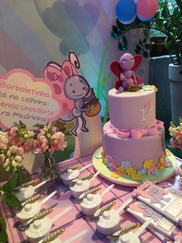 Deborah Secco comemora primeiro ano da filha com festão