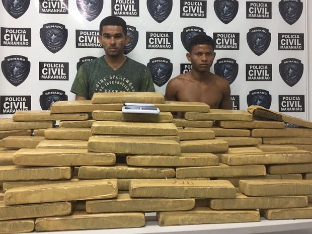 Droga encontrada com os dois acusados (Crédito: Divulgação)