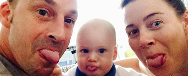 Homem com câncer terminal antecipa Natal para ficar com o filho