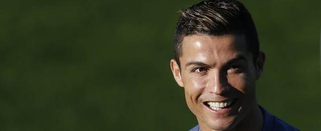 Jornal crava que Cristiano Ronaldo receberá a Bola de Ouro 2016