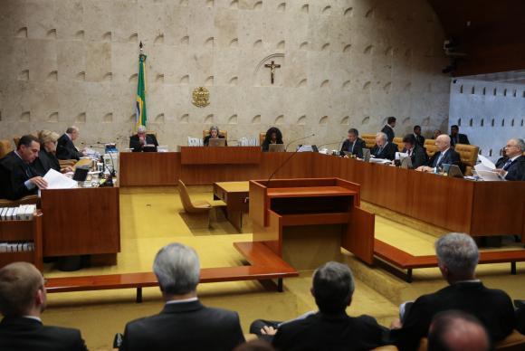 O Supremo Tribunal Federal faz sessão plenária para julgar a liminar de autoria do ministro Marco Aurélio Mello, que determina o afastamento de Renan Calheiros, da presidência do Senado  (Crédito: Agência Brasil)