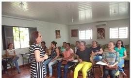 Secretária Municipal de Educação realiza reunião com gestores