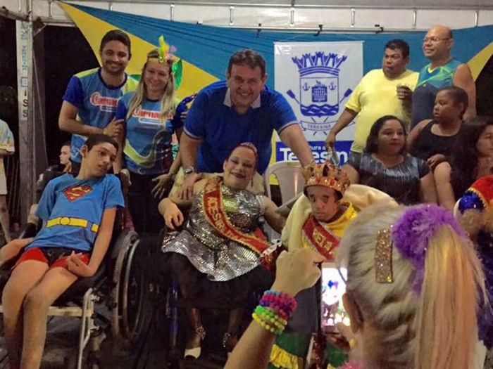 Deputado Silas Freire prestigiando festas de carnaval (Crédito: Assessoria )