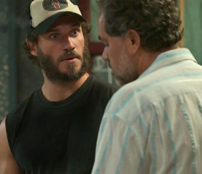 Dino descobre que Eliza mora com Artur