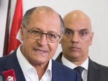 Após polêmica, Alckmin volta a decretar sigilo de documentos da PM