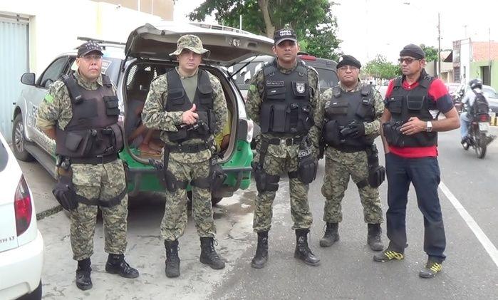 Policiais envolvidos na prisão  (Crédito: Reprodução)