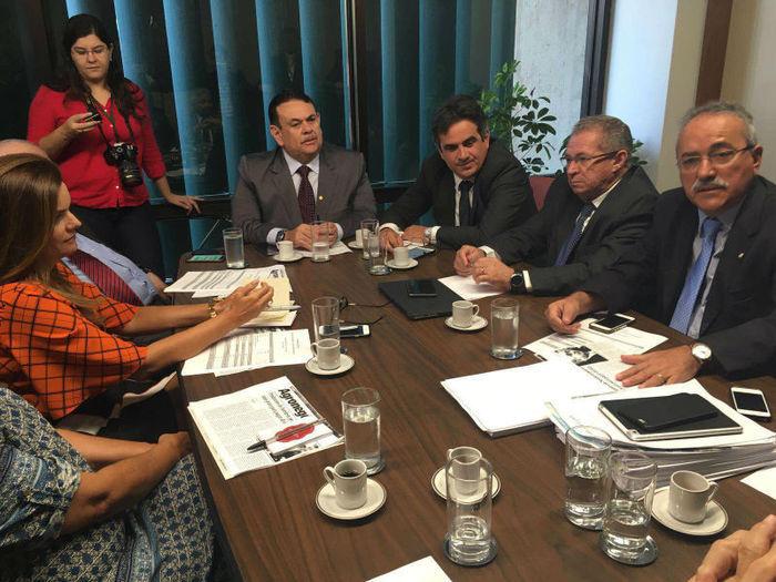 Reunião (Crédito: Assessoria)