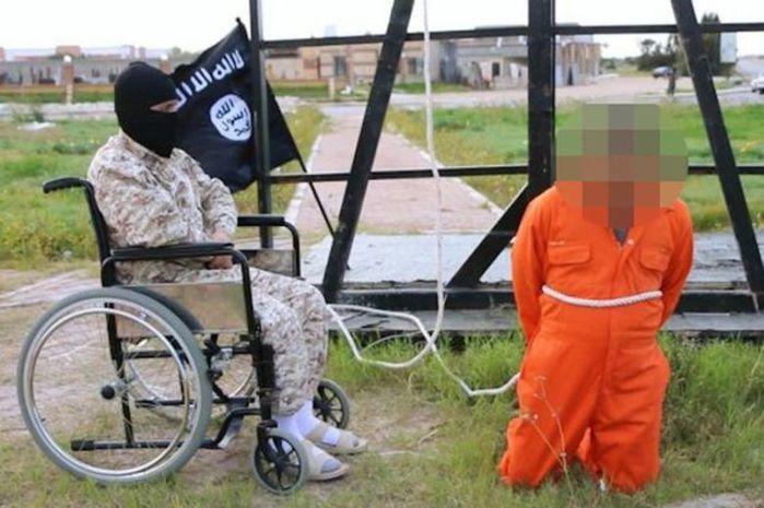 Terrorista de cadeira de rodas (Crédito: Reprodução)