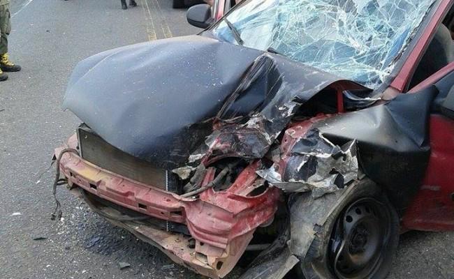 Carro envolvido no acidente na PI-113  que deixou 8 feridos (Crédito: Reprodução)