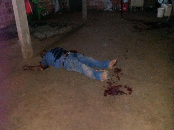 Homem é assassinado a facadas durante disputa por mulher no Piauí (Crédito: Mural da Vila )