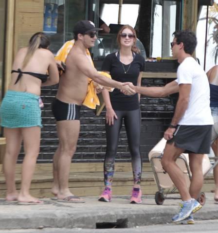 Xandinho cumprimentou fãs da atriz (Crédito: Reprodução)