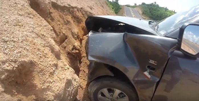 Motorista perdeu controle de veículo (Crédito: Reprodução)