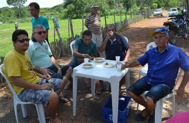 Vereador Alcides Melo comemora a recuperação de 5km de estradas - Imagem 7