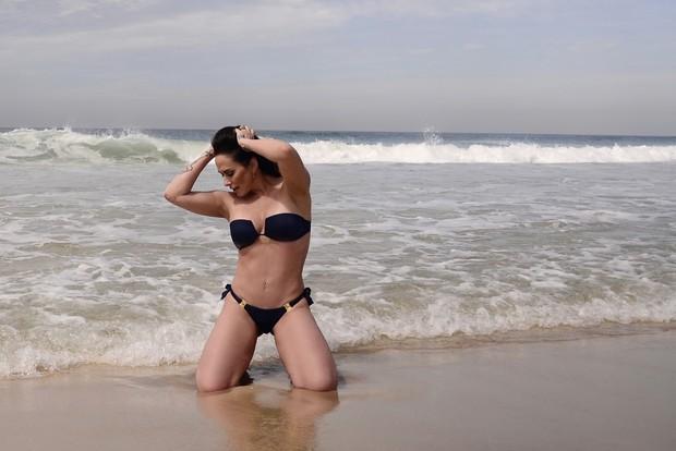 Núbia Óliiver faz ensaio sensual  (Crédito: Ego )