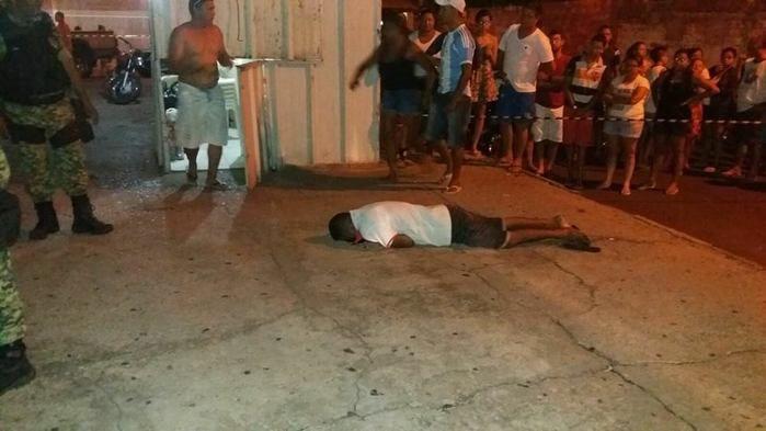 Homem foi morto em frente a um trailler (Crédito: Plantão Policial Piauí)