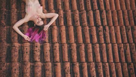 MariMoom posar pelada (Crédito: Reprodução)