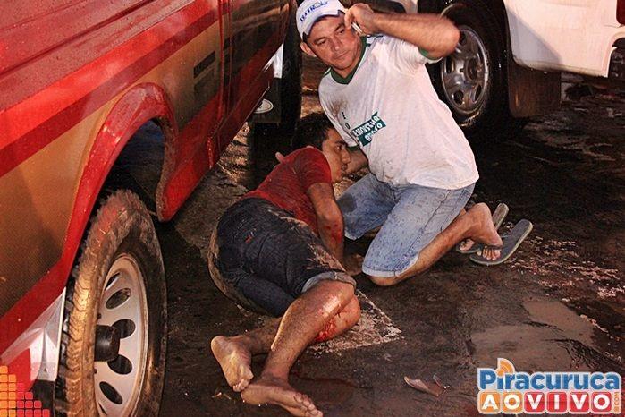 Motorista invade preferencial e deixa motoqueiro ferido (Crédito: Reprodução)