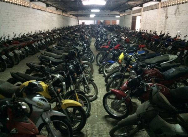 Detran abre visitas aos 185 veículos que vão a leilão em Teresina