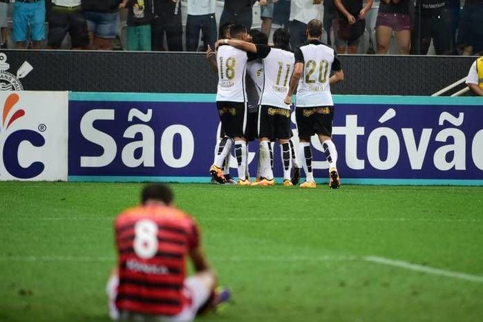 Corinthians venceu o Oeste nos acréscimos