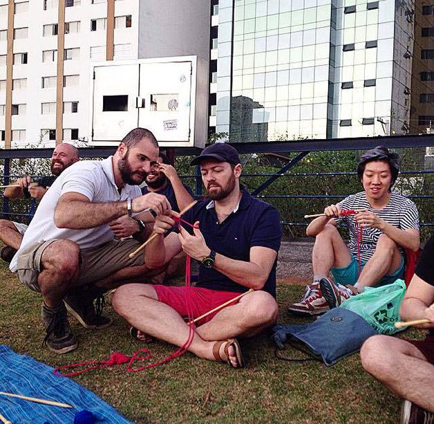 Tricô com homens (Crédito: Reprodução)