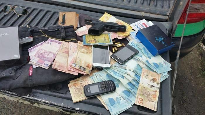 Material encontrado com traficante (Crédito: Reprodução)