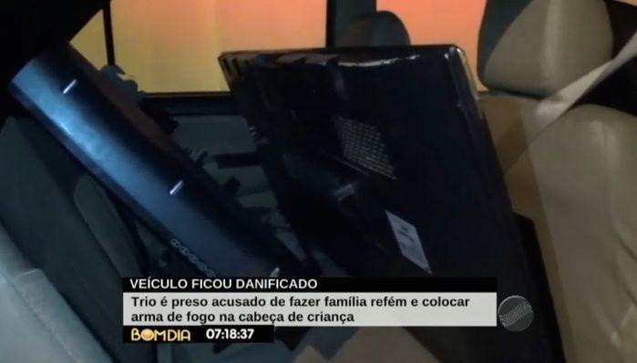 Televisores foram encontrados com bandidos (Crédito: Reprodução)