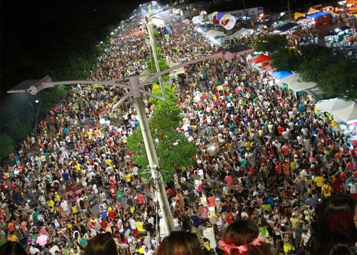 Corso atraiu mais de 300 mil foliões (Crédito: João Albert )