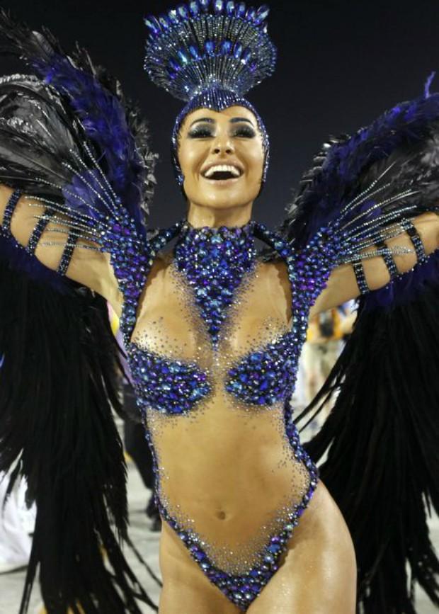 Sabrina Sato no desfile da Vila Isabel, no Rio, em 2013  (Crédito: Reprodução)