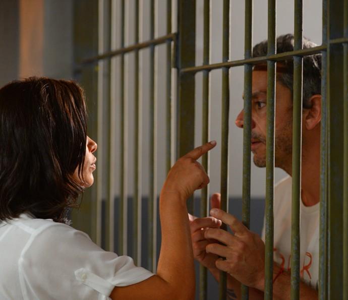 Tóia proíbe Romero de ver o filho e o deixa aos prantos  (Crédito: Reprodução Gshow)