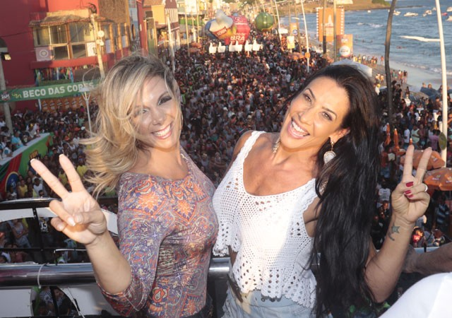 Carla e Scheila no carnaval de Salvador