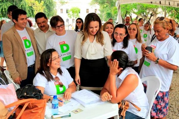 Rejane Dias visita ação do programa