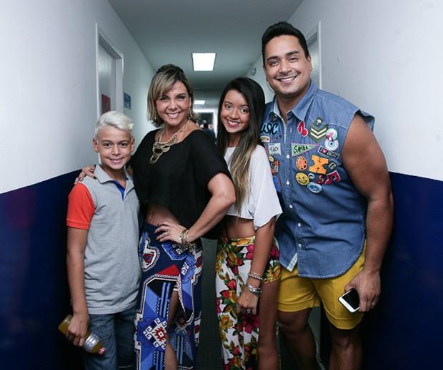 Carla Perez vai morar com filhos nos EUA (Crédito: Divulgação)