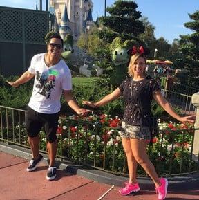 Xanddy e Carla Perez na Disney (Crédito: Reprodução/ Instagram)