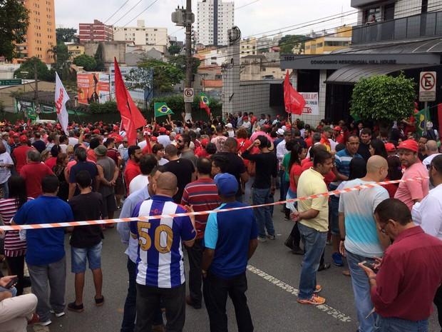 Manifestação a favor do ex-presidente Lula