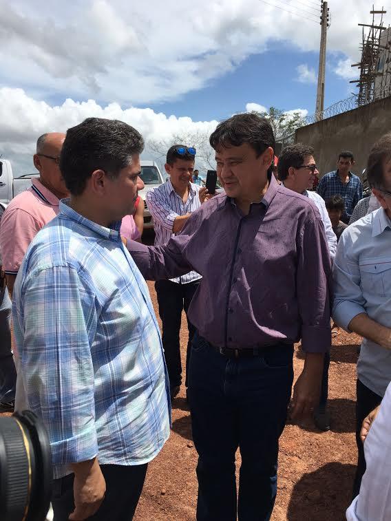 Secretário autoriza retomada de obras em Joaquim Pires