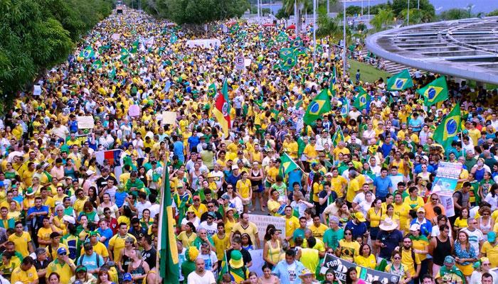 Protestos contra Dilma reuniram cerca de 3,6 milhões de pessoas (Crédito: G1)
