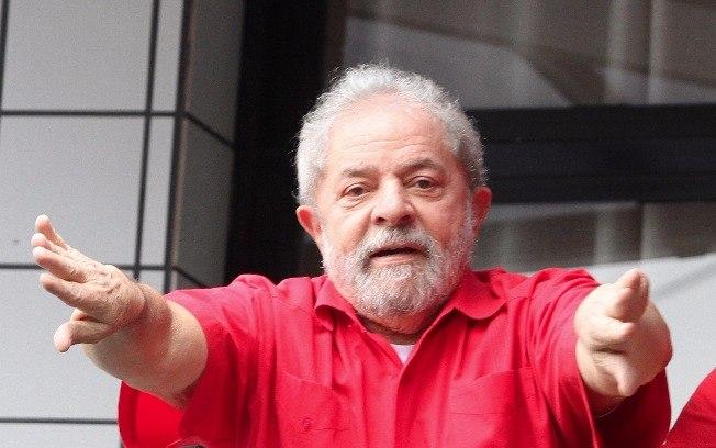 Lula vai conversar com Dilma em Brasília