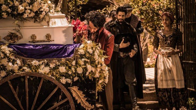 Jacinto (Tarcísio Meira) sofreu um infarto e morreu