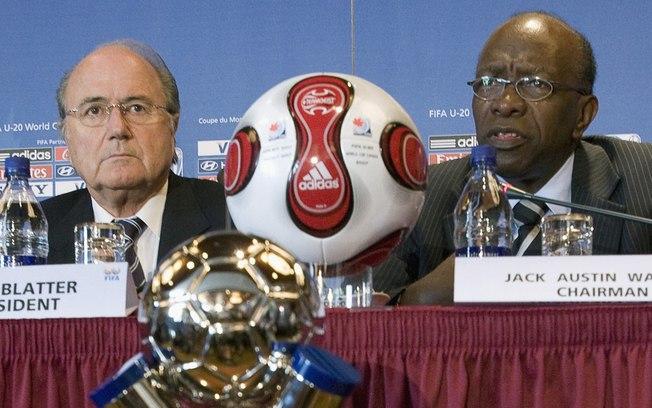 Jack Warner ao lado de Blatter, ele é um dos principais acusados de receber propina juntamente com Chuck Blazer