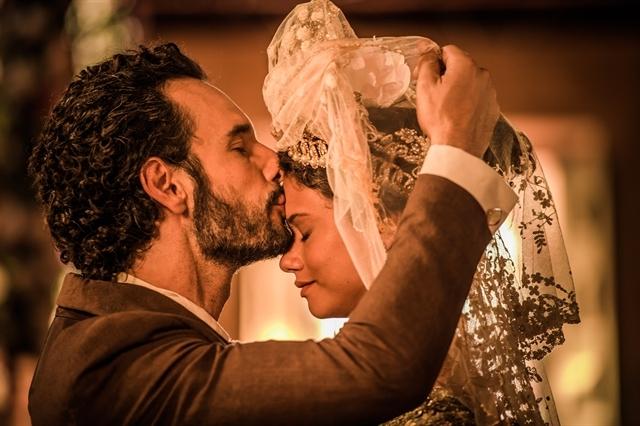 Afrânio se casa com Leonor