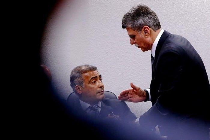 Romário e Romero Jucá se desentendem (Crédito: Reprodução)