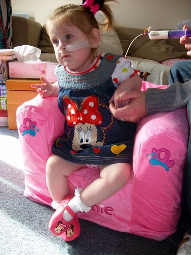 Scarlett passando pelo tratamento médico