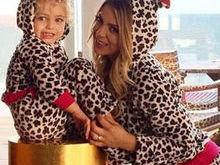Xuxa posta foto de Sheila Mello e Brenda vestidas de bichinho