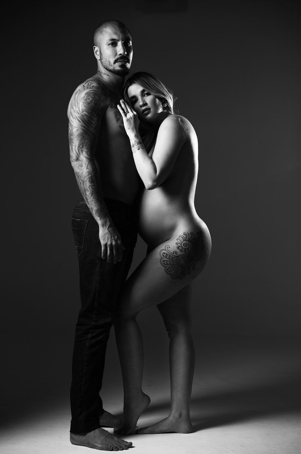 Aline posa sensual durante ensaio de gravidez (Crédito: Marcos Serra Lima)